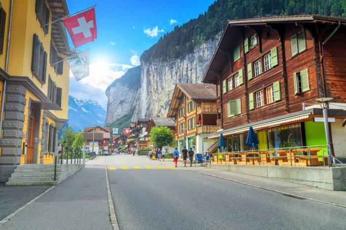 Suiza: Becas Para Maestría en Diversos Temas IMD College