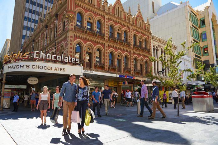 Australia: Becas Para Maestría y Doctorado en Diversos Temas University of Adelaide