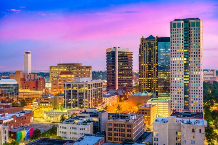 Estados Unidos: Becas Para licenciatura en Cualquier curso de asignaturas ofrecido por la universidad University of Alabama